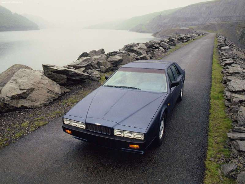 Aston_Martin-Lagonda_1976_800x600_wallpaper_01