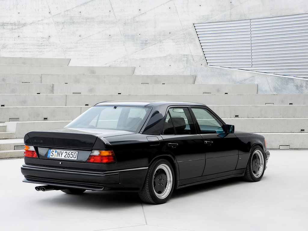 Mercedes-Benz-AMG-40th-Anniversary-1987-300-E-6.0-AMG-Rear-And-Side-1024x768.jpg