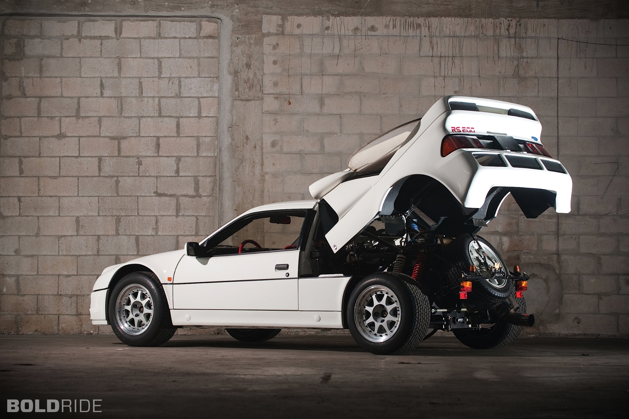 ford-rs200-evolution.2000x1331.Jan-04-2012_21.28.34.206026