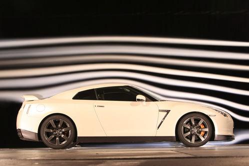 Nissan-GT-R-r498x333-C-f77e4081-250214