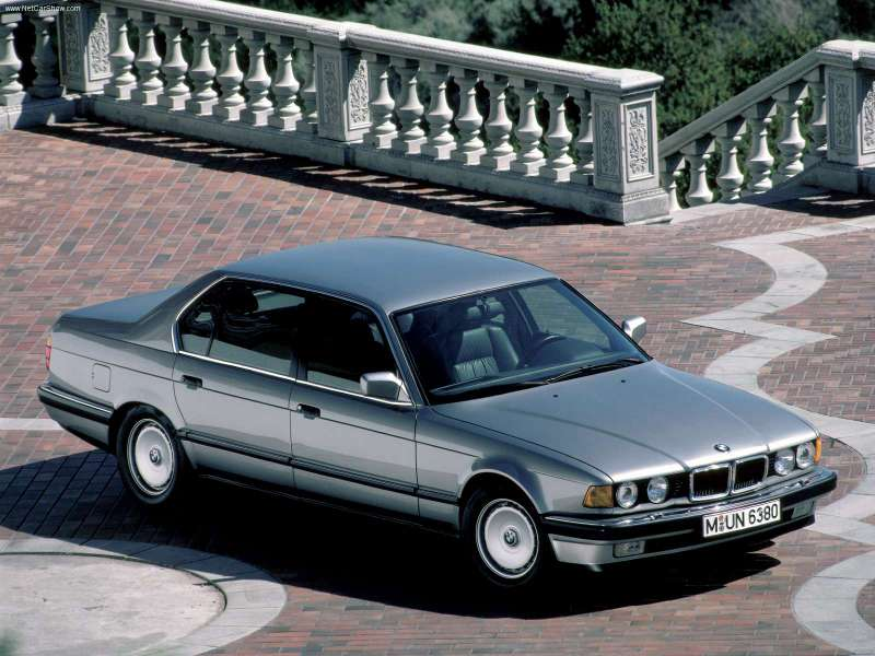 BMW-750iL_1987_800x600_wallpaper_01[1]