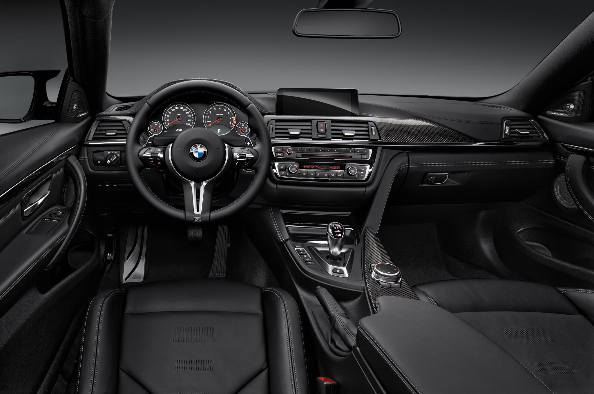 2015-BMW-M4-interior