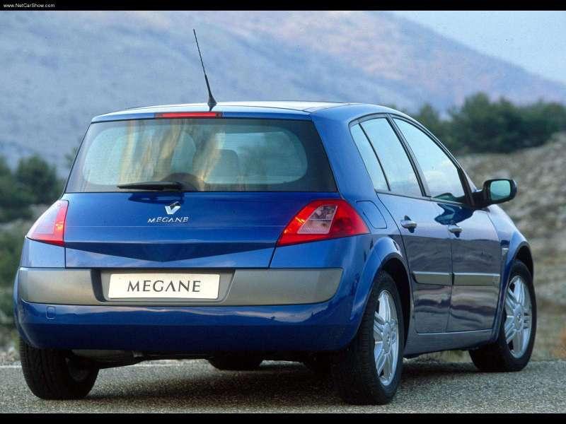 Renault-Megane_II_Hatch_2003_800x600_wallpaper_05