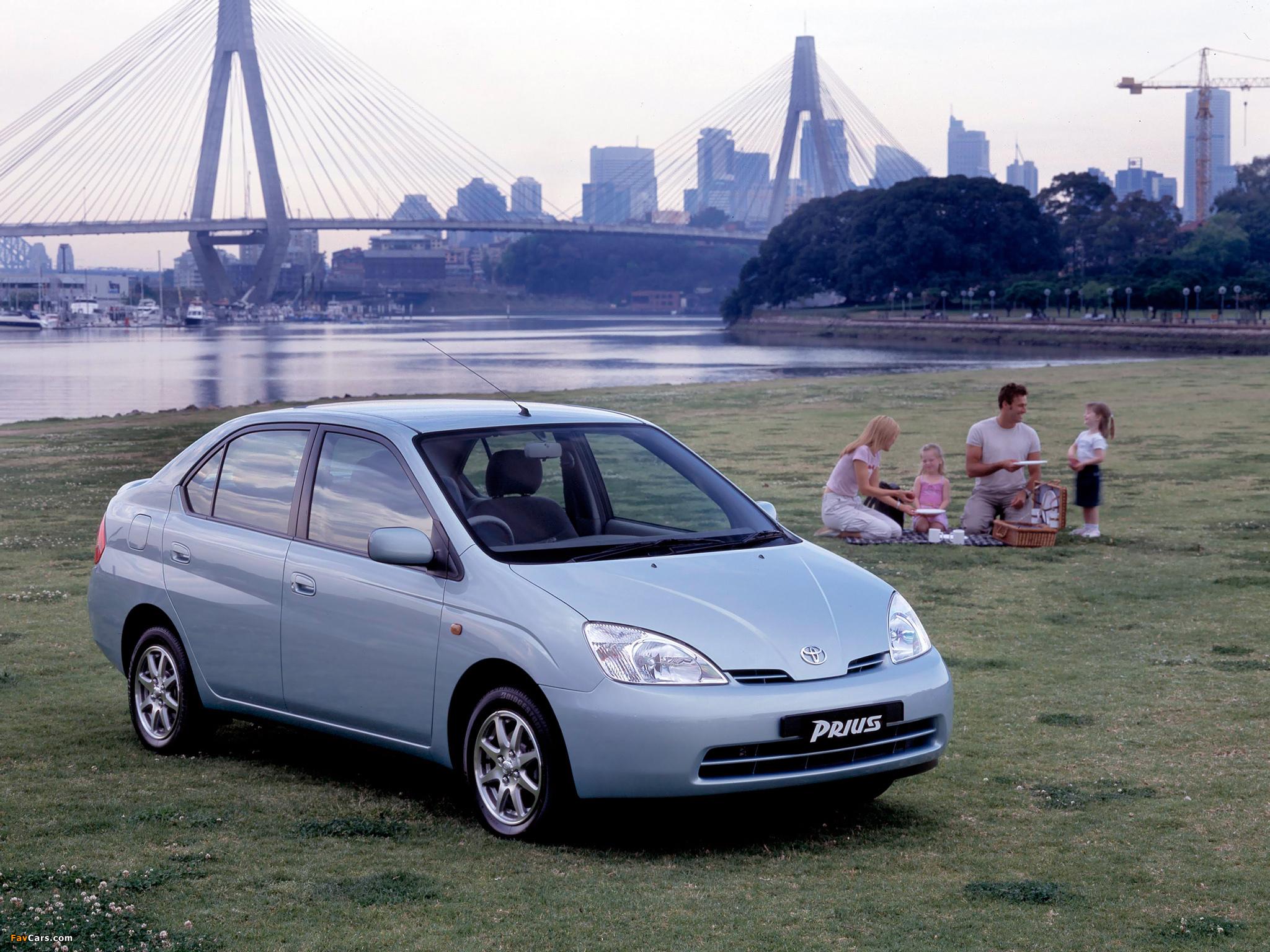 2001 Toyota Prius. 010701