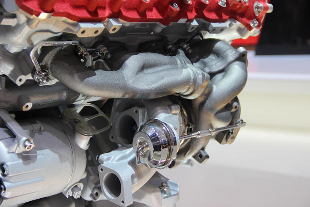 Ferrari-California-T-Engine-08