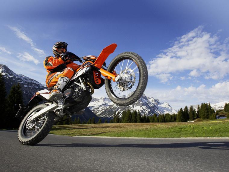 ktm-enduro-motorcycle_095439