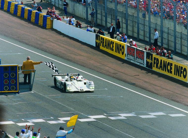 Vistoria en las 24 Horas de Le Mans. BMW V12 LMR (13-06-1999, La Sarthe, 24 Horas de Le Mans, Pierluigi Martini)