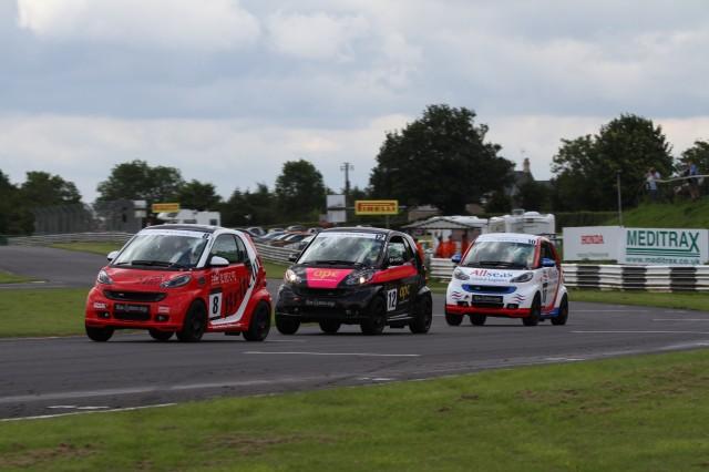 racing-family-make-history-in-smart-car-series-31977-image2